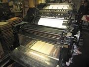 活版印刷機をトムソン加工機に